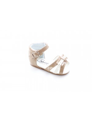 Patent girls bow sandals camel and cream
